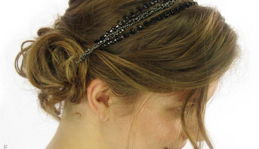 Le serre-tête, l'accessoire capillaire indémodable